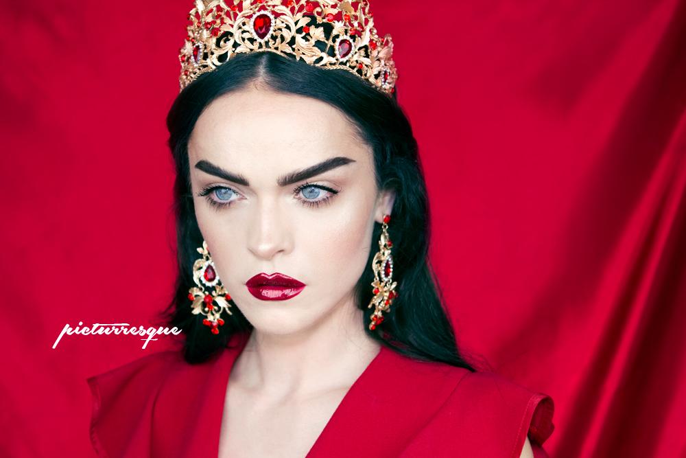 queen_red_picturresque_4